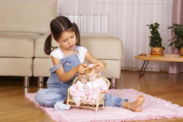 Давайте поиграем в куклы